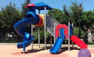 Çocuk Parkı - Çimseren hazıır çim rulo çim ve serme çim firması sizlerin yaşam alanlarınızda kullanmanızı ve çocuklara eğlenceli bir ortam sunmanızı sağlamak için çocuk parkı da temin etmektedir.