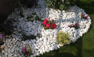 Doğal Taş - Çimseren hazır çim rulo çim ve serme çim firması peyzajlarınızda kullanmak için doğal taş temini gerçekleştirmektedir.